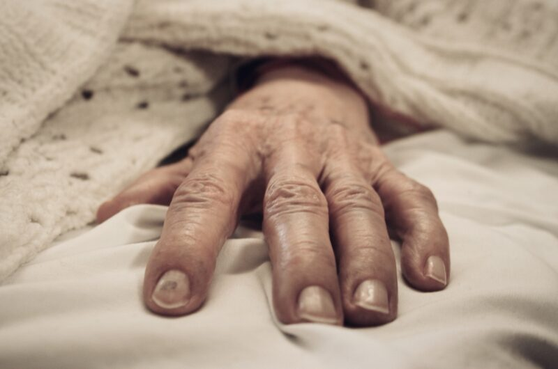 Facing Patient Mortality as a Natural Practitioner 1